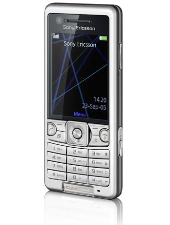 """Sony Ericsson presenta """"Kate"""", su primer móvil con detector de sonrisas"""