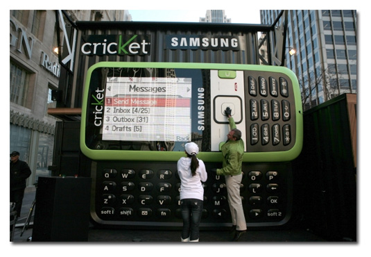 Samsung R450, anunciando un móvil a lo grande