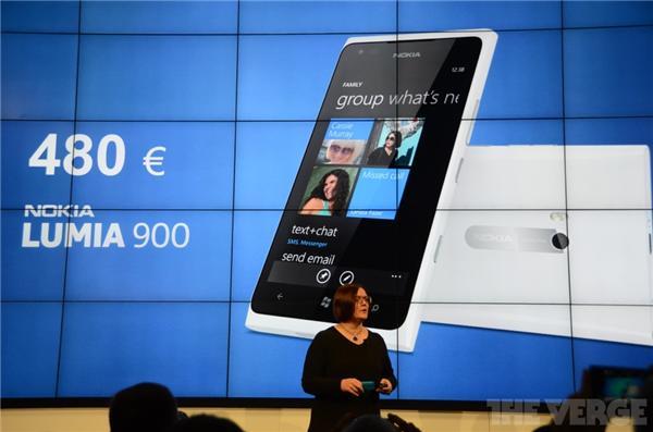 MWC 2012. Nokia Lumia 900 en color blanco y para todo el mundo