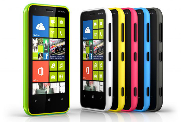 La familia Nokia sigue creciendo: llega el Lumia 620