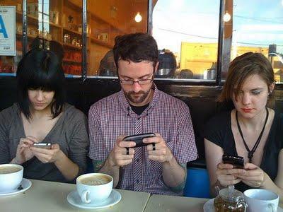 ¿Es contagioso el uso del móvil?