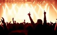 5 gadgets y accesorios esenciales para festivales de música