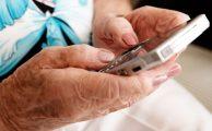 Aspectos a tener en cuenta al regalar un smartphone a una persona mayor