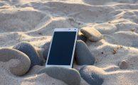 Cómo mantener tu móvil a salvo de chapuzones este verano