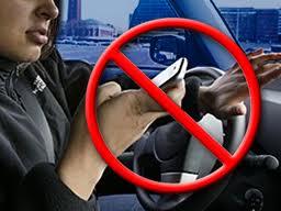 Usar el móvil al volante causa más víctimas entre los jóvenes de EEUU que el alcohol