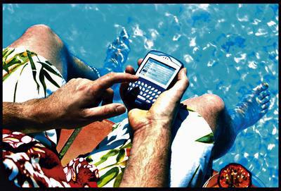La mitad de los españoles se conectará a Internet con sus dispositivos móviles en vacaciones