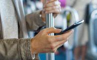 Si tu pantalla de móvil es más grande, la mirarás más