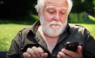 Persona mayor móvil