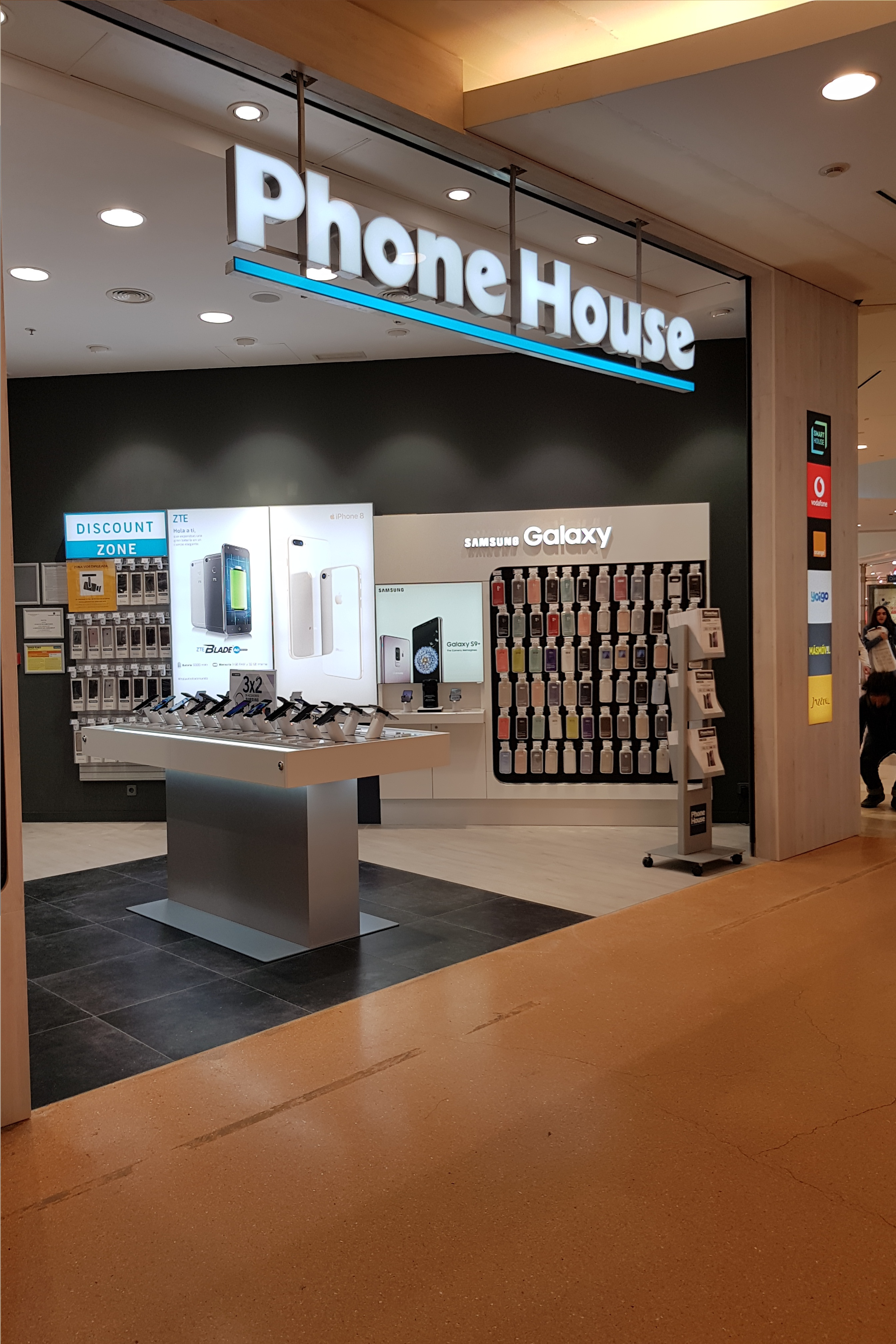 PHONE HOUSE - Discount Zone