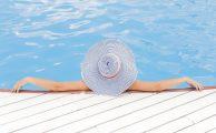 ¿Es tu móvil resistente a la piscina y la playa?