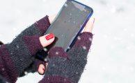 ¿Puedes usar tu móvil con guantes? Te explicamos cómo hacerlo