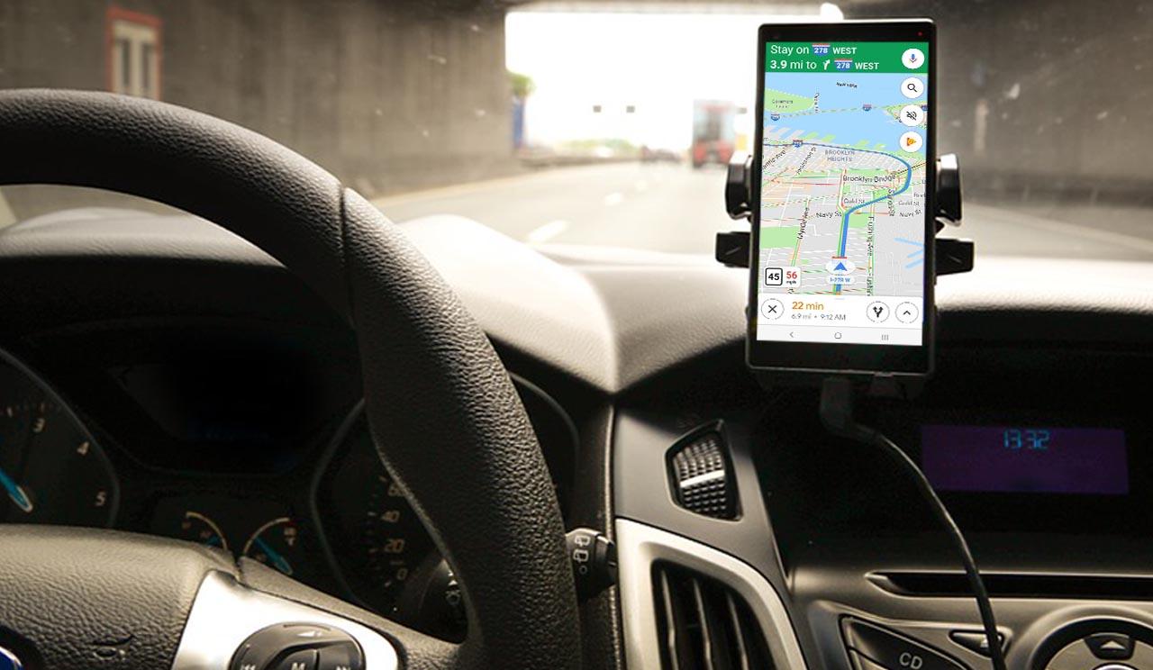 coche maps velocímetro