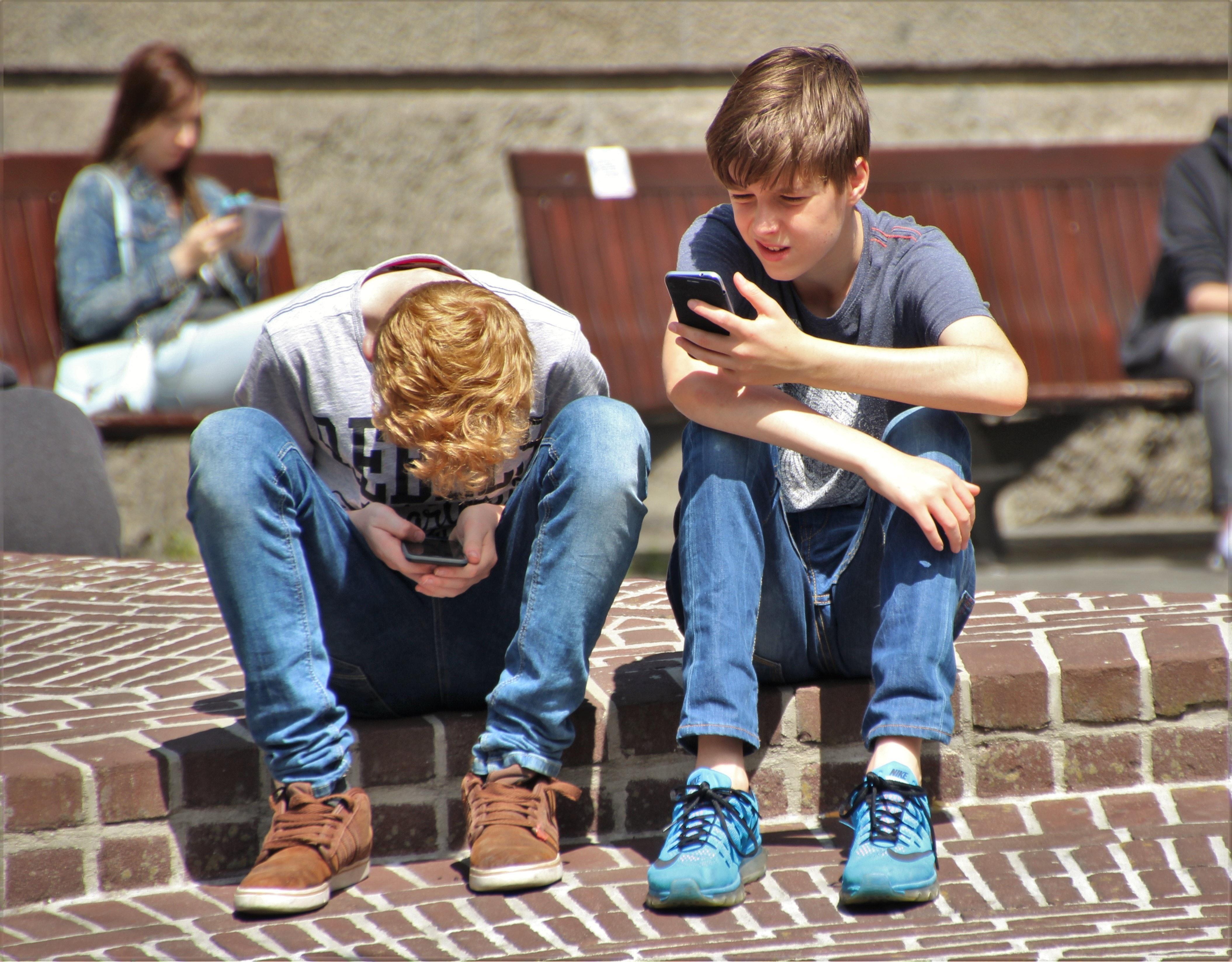 Móviles Para Jóvenes