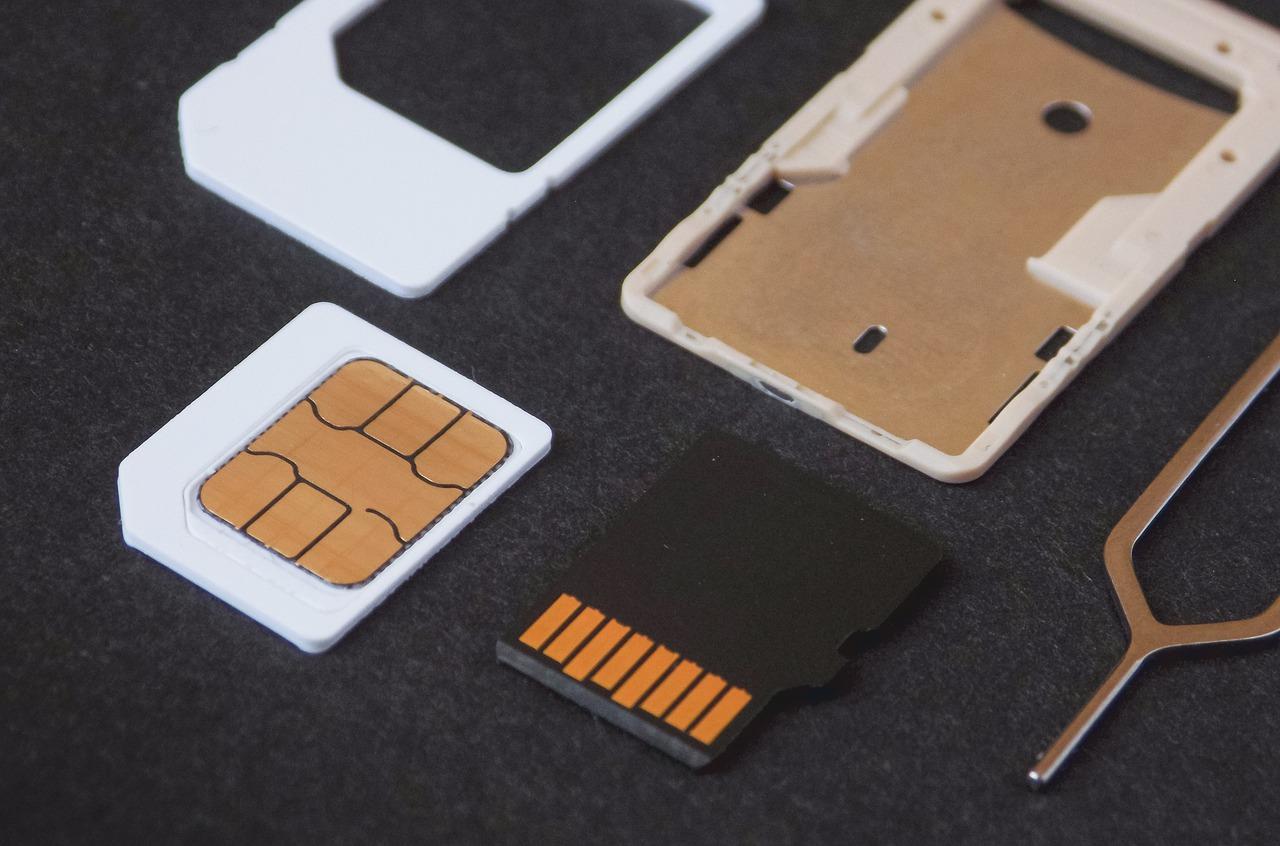 SIM y micro SD