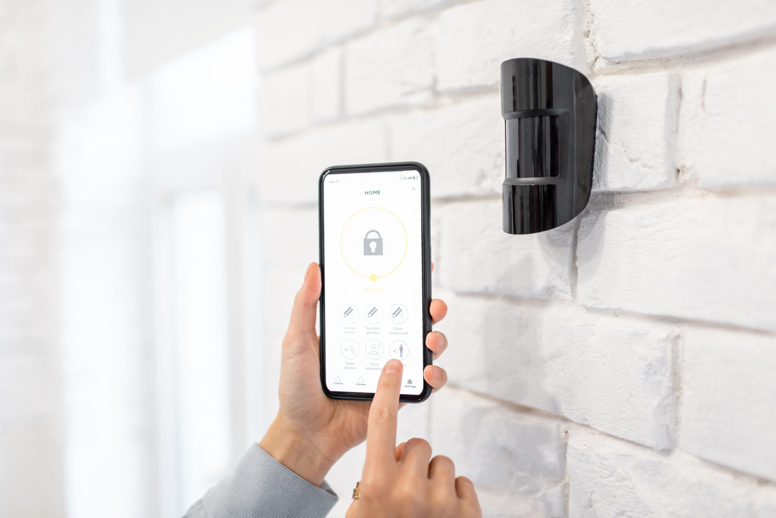 Controlling Alarm System With A Smart Phone