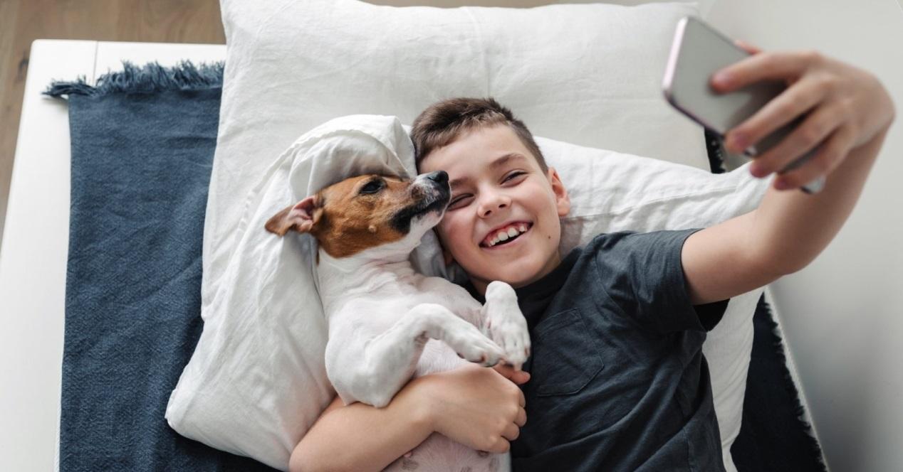 Selfie Niño Y Perro