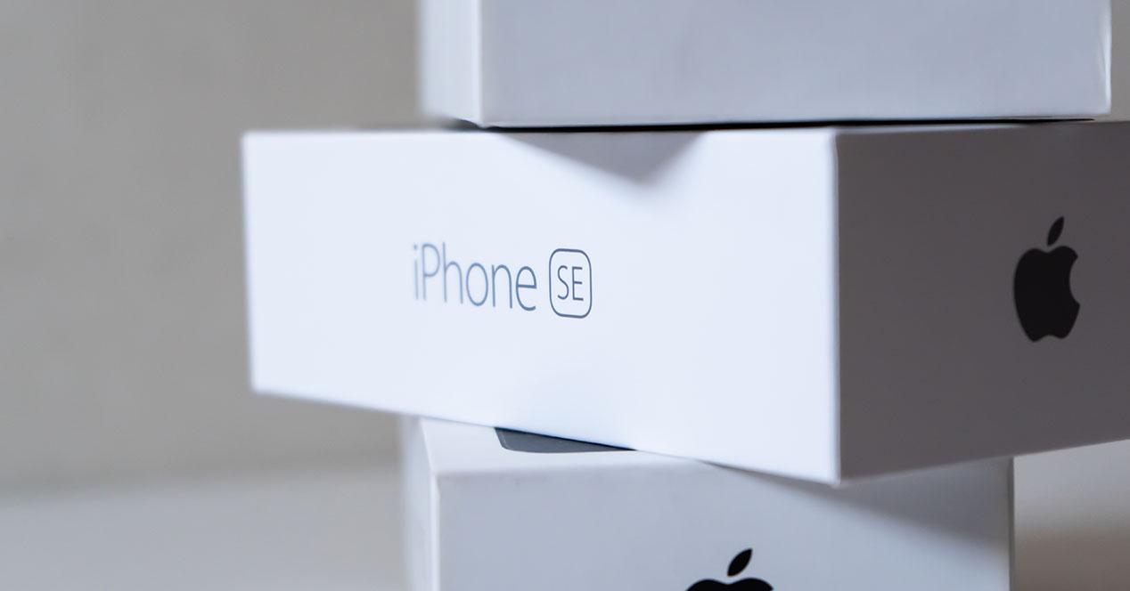 iPhone SE caja