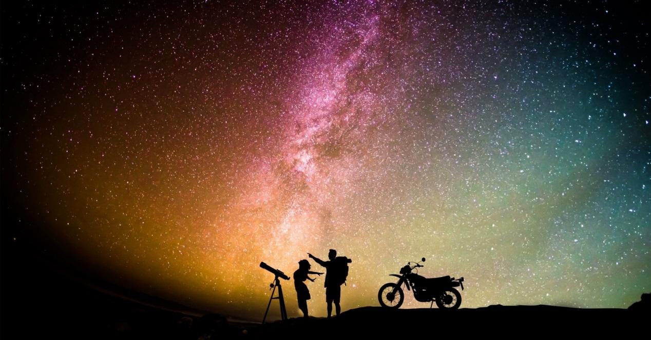 Telescopio En Noche De Verano